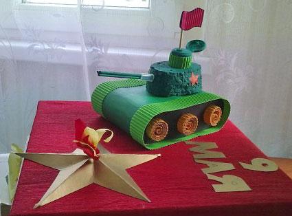 Поделка к 9 мая - танк и вечный огонь