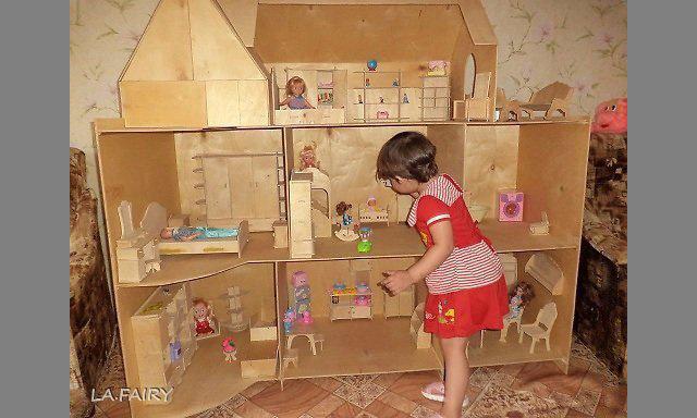Как сделать домик для куклы своими руками из картона