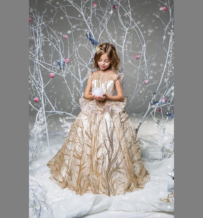 Необычное изысканное новогоднее платье