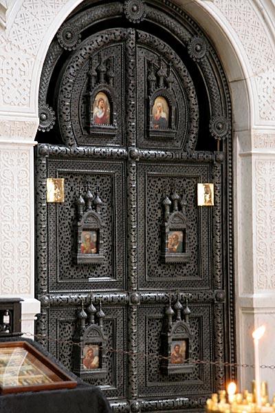 Царские врата храма Марии Магдалины