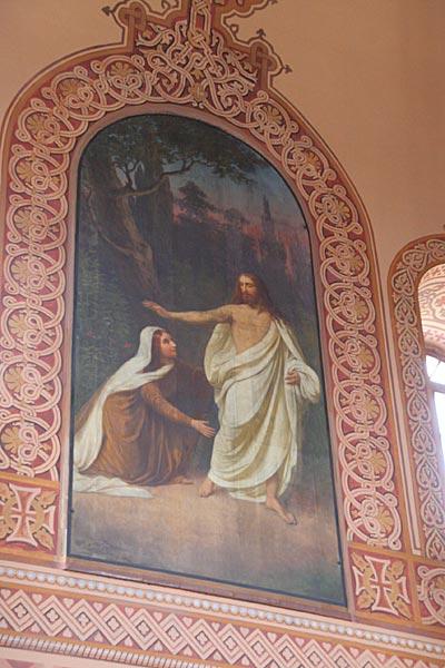 Иконостас храма и фреска Мария Магдалина у императора Тиверия